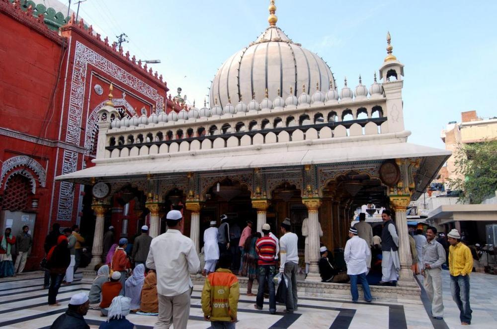 OBSERVATIONS : Hazrat Nizamuddin Dargah - 18 July 2010 - 2:30 P.M. to 6:00 P.M. (IST)